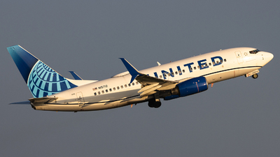 A picture of N15712 - Boeing 737724 - United Airlines - © Sean Brink