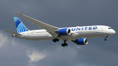 A picture of N24980 - Boeing 7879 Dreamliner - United Airlines - © Xiamen Air 849 Heavy