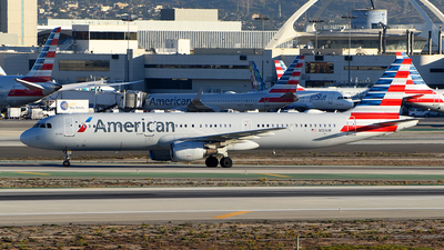 A picture of N151UW - Airbus A321211 - American Airlines - © Rocky Wang
