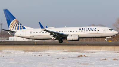 A picture of N73251 - Boeing 737824 - United Airlines - © Alec Mollenhauer