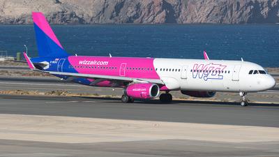 A picture of GWUKG - Airbus A321231 - Wizz Air - © Adolfo Bento de Urquía