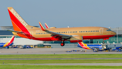 N711HK - Boeing 737-7H4 - Southwest Airlines