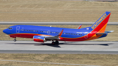 N642WN - Boeing 737-3H4 - Southwest Airlines