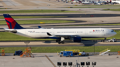 A picture of N803NW - Airbus A330323 - Delta Air Lines - © JinZi