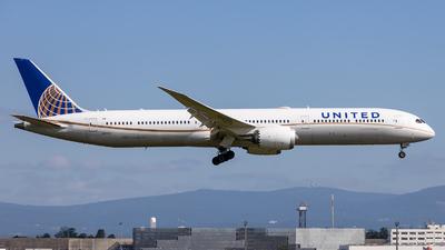 A picture of N17002 - Boeing 78710 Dreamliner - United Airlines - © Markus Schwab