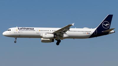 A picture of DAIDF - Airbus A321231 - Lufthansa - © Luke Dogan