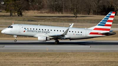 A picture of N234JW - Embraer E175LR - American Airlines - © mariaPGAer