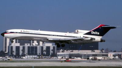 N522DA - Boeing 727-232(Adv) - Delta Air Lines