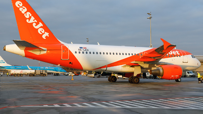 A picture of OELKG - Airbus A319111 - easyJet - © Łukasz Stawiarz