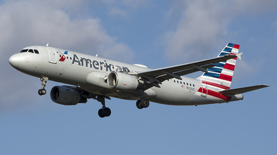 N122US - Airbus A320-214 - American Airlines