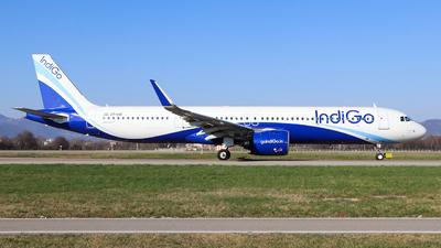 VT-IUE - Airbus A321-271NX - IndiGo Airlines