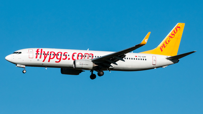 A picture of TCCPF - Boeing 73782R - [40879] - © Ramin
