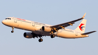 B-8648 - Airbus A321-211 - China Eastern Airlines