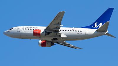 A picture of LNTUF - Boeing 737705 - [28222] - © RAFAL KUKOWSKI