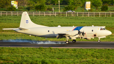 N423SK - Lockheed P-3B Orion - United States - US Customs Service