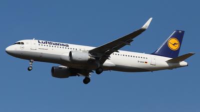 A picture of DAIUV - Airbus A320214 - Lufthansa - © László Kurilla