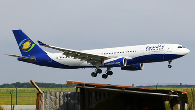 9XR-WN - Airbus A330-243 - RwandAir