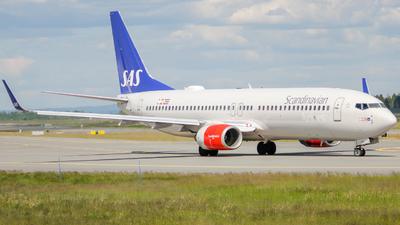 LN-RRH - Boeing 737-883 - Scandinavian Airlines (SAS)