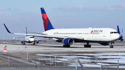 N194DN - Boeing 767-332(ER) - Delta Air Lines