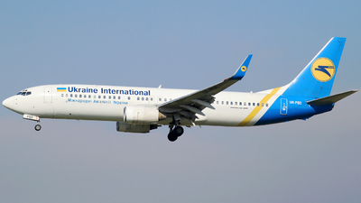 UR-PSO - Boeing 737-8Q8 - Ukraine International Airlines