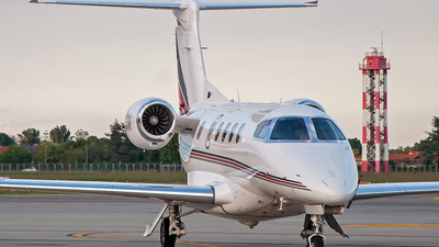 CS-PHH - Embraer 505 Phenom 300 - NetJets Europe