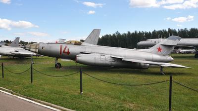 14 - Yakovlev Yak-27 - Russia - Air Force