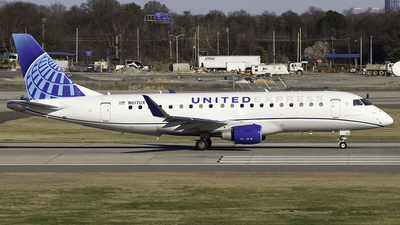 A picture of N617UX - Embraer E175LL - United Airlines - © Thomas Morrison