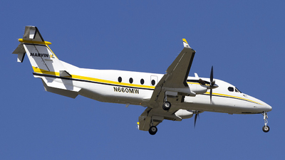 N660MW - Beech 1900D - Private