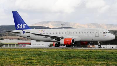 OY-KAT - Airbus A320-232 - Scandinavian Airlines (SAS)