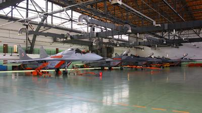 EPMB - Airport - Hangar