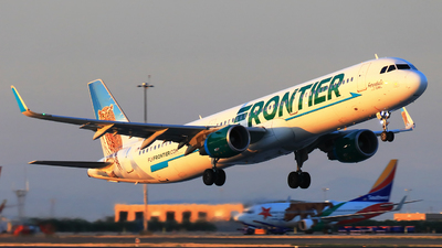 A picture of N705FR - Airbus A321211 - Frontier Airlines - © Hongming Zheng