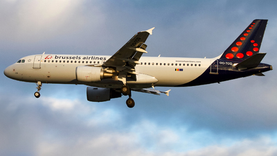 A picture of OOTCQ - Airbus A320214 - Brussels Airlines - © hongkongaviation