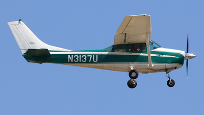 A picture of N3137U - Cessna 182F Skylane - [18254537] - © BaszB