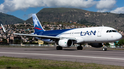 A picture of CCBFP - Airbus A320214 - LATAM Airlines - © Aldo Martinelli