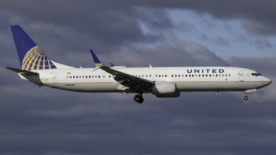 A picture of N68880 - Boeing 737924(ER) - United Airlines - © Tyler Lorenz