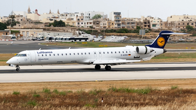 A picture of DACKB - Mitsubishi CRJ900LR - [15073] - © Ray Pace