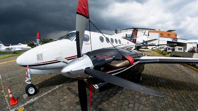 N300KL - Beechcraft B300 King Air - Private