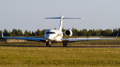 N352AF - Bombardier BD-700-1A11 Global 5000 - Private