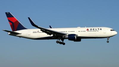 N186DN - Boeing 767-332(ER) - Delta Air Lines