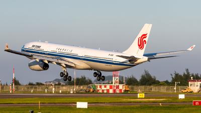 B-6511 - Airbus A330-343 - Air China