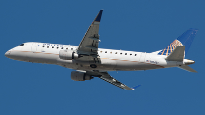 A picture of N106SY - Embraer E175LR - United Airlines - © Angel Natal