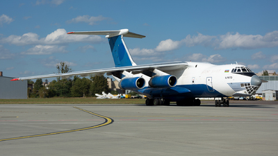 A picture of 4K78131 - Ilyushin IL76TD - Azerbaijan Airlines - © Vasia Mechanic