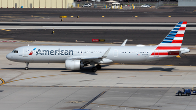 A picture of N417AN - Airbus A321253NX - American Airlines - © Huy Do