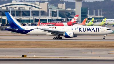 A picture of 9KAOJ - Boeing 777369(ER) - Kuwait Airways - © YoungKyun Shin