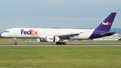A picture of N972FD - Boeing 75728A(SF) - FedEx - © Michael Musil