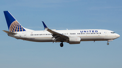 N16217 - Boeing 737-824 - United Airlines