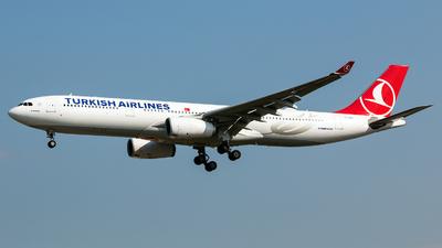 A picture of TCJNO - Airbus A330343 - Turkish Airlines - © Tomasz Kozakowski