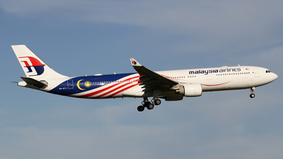 A picture of 9MMTL - Airbus A330323 - Malaysia Airlines - © Stefan P