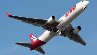 A picture of PTMSZ - Boeing 767316(ER) - LATAM Airlines - © Juan Carlos Alvarez (MAS Aviation Press)