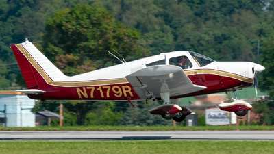 A picture of N7179R - Piper PA28140 - [2821890] - © Connor Ochs